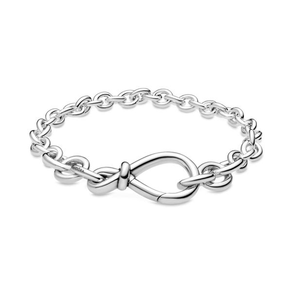 Chunky Infinity Knot Bracelet Size 7.9 Taylors Jewellers Alliston, ON