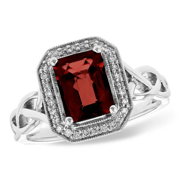 Lady's Garnet Ring Van Scoy Jewelers Wyomissing,