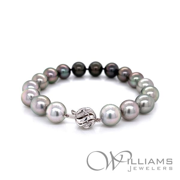 Williams Signature Pearl Bracelet Image 2 Williams Jewelers Englewood, CO