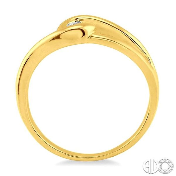 1/20 Ctw Round Cut Diamond Ring in 14K Yellow Gold Image 3 Grogan Jewelers Florence, AL