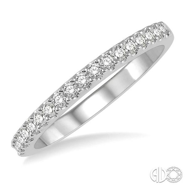1/4 Ctw Round Cut Diamond Wedding Band in 14K White Gold Grogan Jewelers Florence, AL
