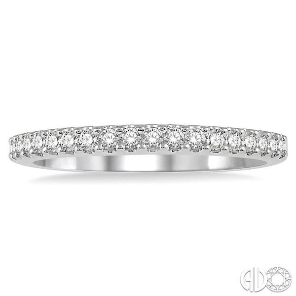 1/4 Ctw Round Cut Diamond Wedding Band in 14K White Gold Image 2 Grogan Jewelers Florence, AL