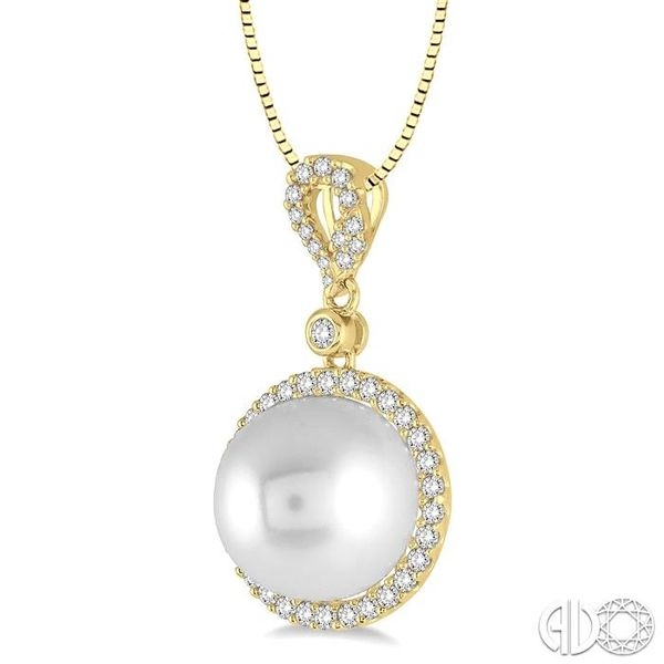 12x12 MM White Cultured Pearl and 3/8 Ctw Round Cut Diamond Pendant in 14K Yellow Gold with chain Image 2 Grogan Jewelers Florence, AL