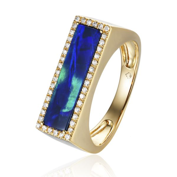 Opal Ring in Yellow Gold