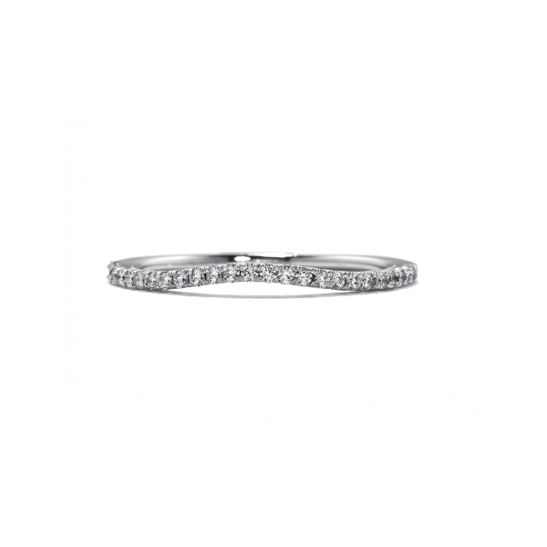 hearts on fire felicity diamond band set in 18k white gold with a wave or small bump or indent for an engagement ring