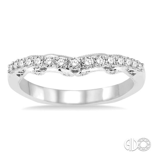 DIAMOND WEDDING BAND Image 2 Robert Irwin Jewelers Memphis, TN