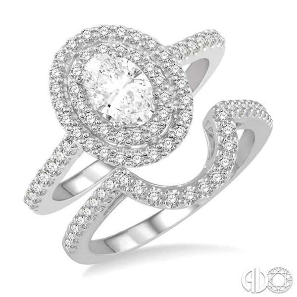 OVAL SHAPE DIAMOND WEDDING SET Robert Irwin Jewelers Memphis, TN