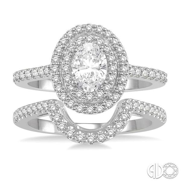 OVAL SHAPE DIAMOND WEDDING SET Image 2 Robert Irwin Jewelers Memphis, TN