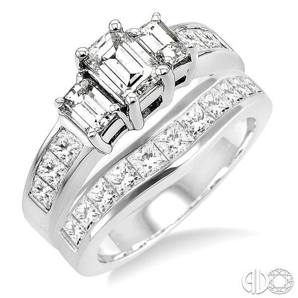 PAST PRESENT & FUTURE DIAMOND WEDDING SET Robert Irwin Jewelers Memphis, TN