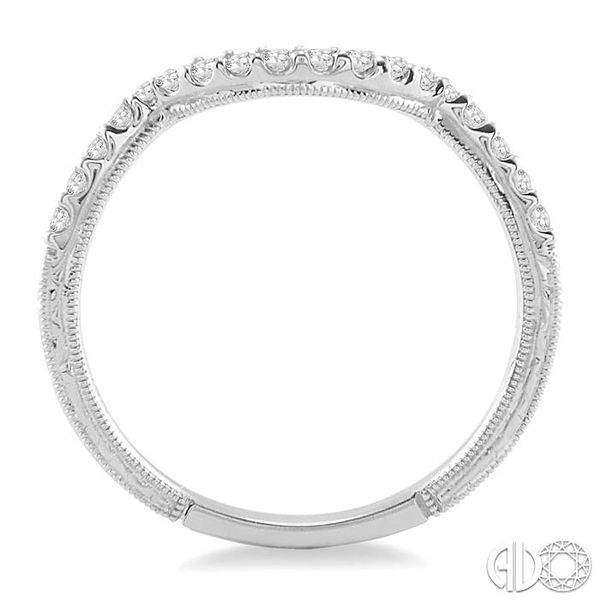 DIAMOND WEDDING BAND Image 3 Robert Irwin Jewelers Memphis, TN