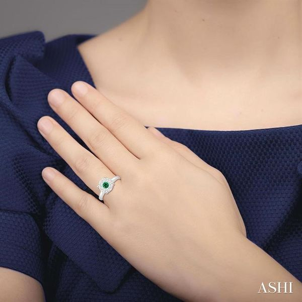 3.8 MM Round Cut Emerald and 1/3 Ctw Lovebright Diamond Ring in 14K White Gold Image 4 Robert Irwin Jewelers Memphis, TN