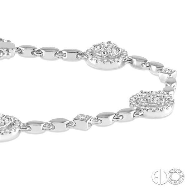 1 1/2 Ctw Diamond Tennis Link Bracelet in 14K White Gold Image 2 Robert Irwin Jewelers Memphis, TN