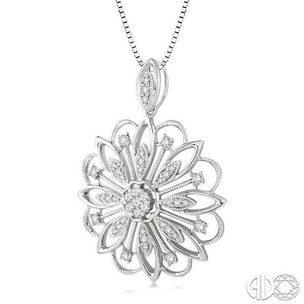 1/3 Ctw Round Cut Diamond Lovebright Pendant in 14K White Gold with Chain Image 2 Robert Irwin Jewelers Memphis, TN