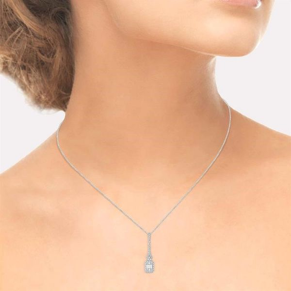 1/2 Ctw Baguette & Round Cut Diamond Pendant in 14K White Gold with chain Image 4 Robert Irwin Jewelers Memphis, TN
