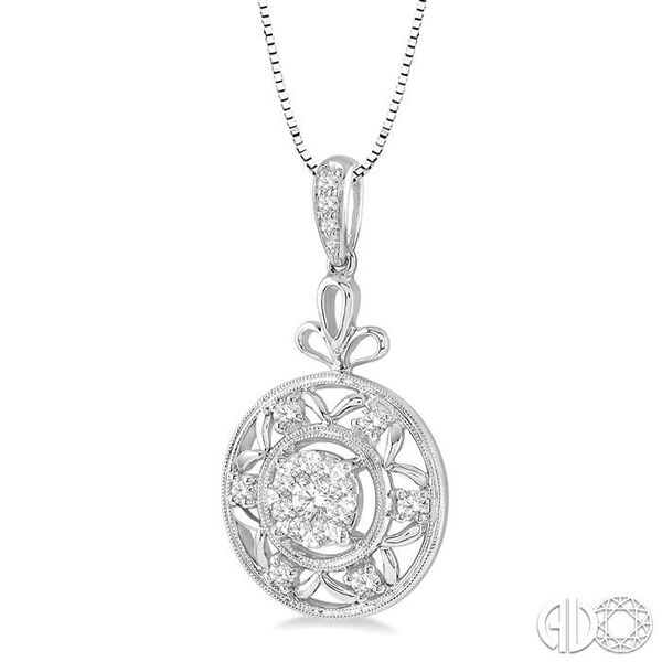 1/2 Ctw Round Cut Diamond Lovebright Pendant in 14K White Gold with Chain Image 2 Robert Irwin Jewelers Memphis, TN