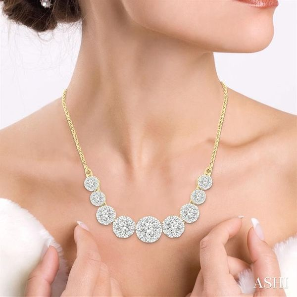 1 Ctw Round Cut Diamond Lovebright Necklace in 14K Yellow and White Gold Image 4 Robert Irwin Jewelers Memphis, TN