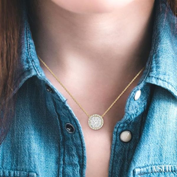 1 ctw Circular Pendant Round Cut Diamond Lovebright Necklace in 14K Yellow and White Gold Image 4 Robert Irwin Jewelers Memphis, TN