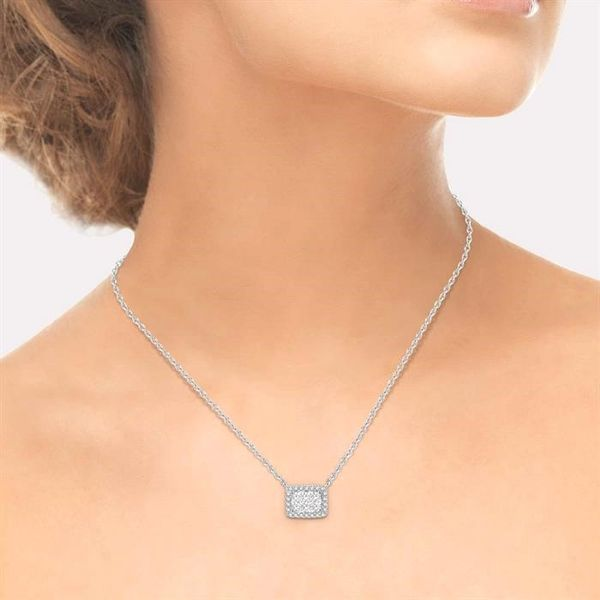 1/3 ctw Emerald Shape Round Cut Diamond Lovebright Necklace in 14K White Gold Image 4 Robert Irwin Jewelers Memphis, TN