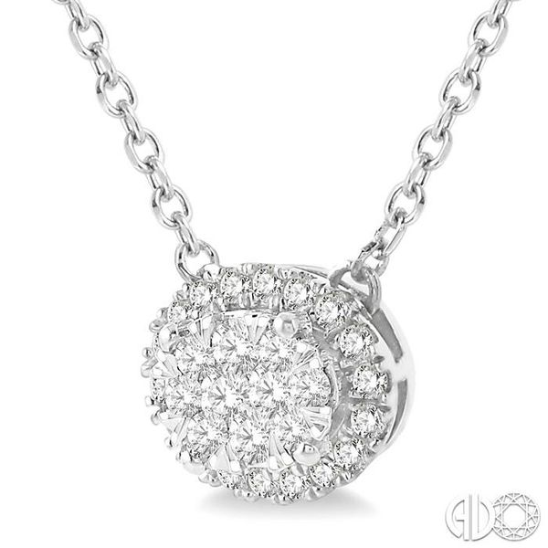 OVAL SHAPE LOVEBRIGHT DIAMOND NECKLACE Image 2 Robert Irwin Jewelers Memphis, TN