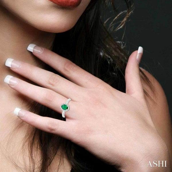6x4 MM Oval Shape Emerald and 1/6 Ctw Round Cut Diamond Ring in 14K White Gold Image 4 Ross Elliott Jewelers Terre Haute, IN