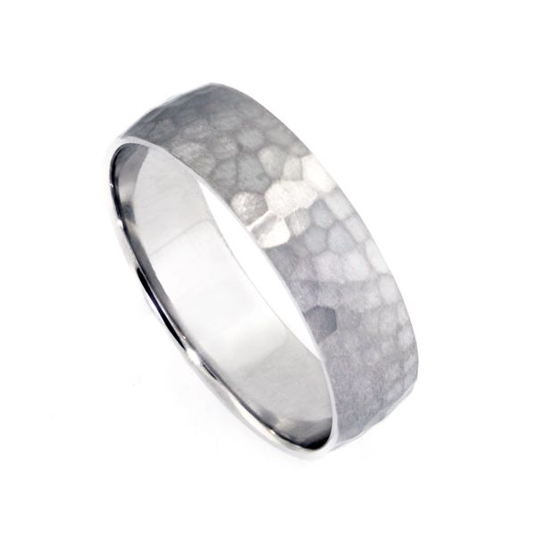 Plat 6mm Hammered Band with Satin-Finish